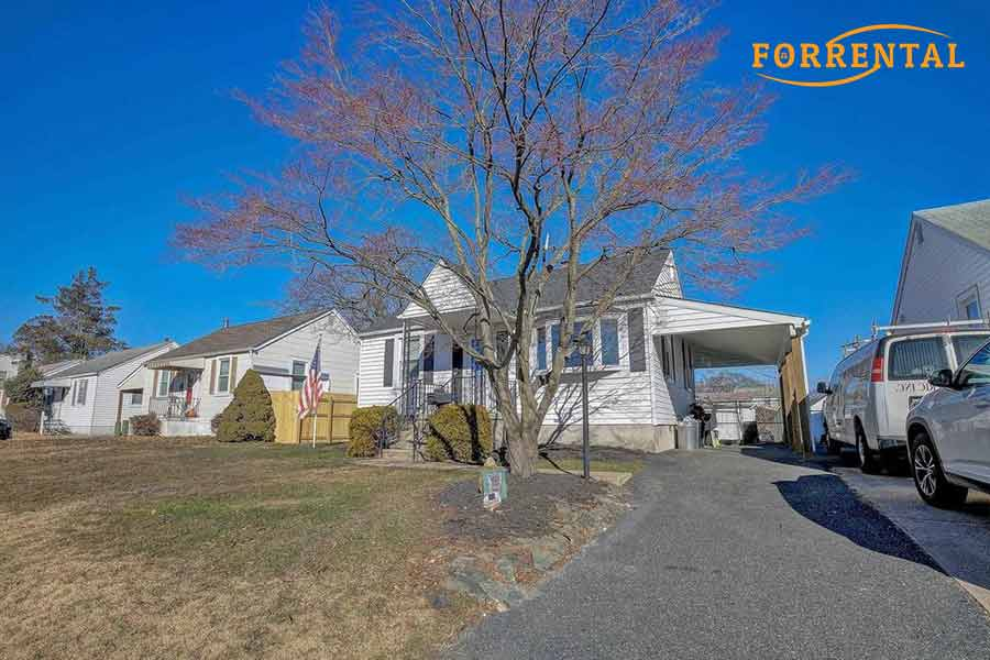 Elinor Ave house for sale