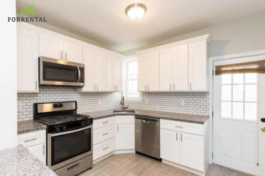 House for rent 1510 S Dover St